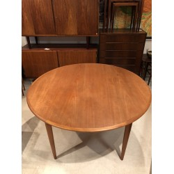 Circular Parker Dining Room Table