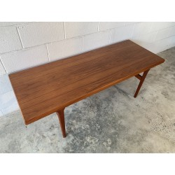 Large and Long Danish Coffee table - 2/4/19