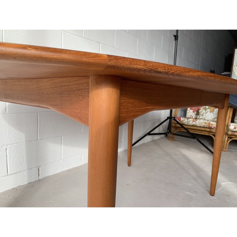 Dining Room Tables For 10: 12 Seater Extension Dining Room Table.
