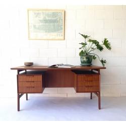 Omann Jun Desk Model 75