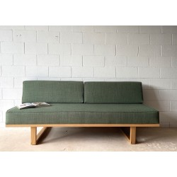 Norrebro Daybed - Ideal for indoor or outdoor use. Oak / Bottle Fabric.