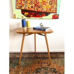 Ercol Sidetable in solid Elm.